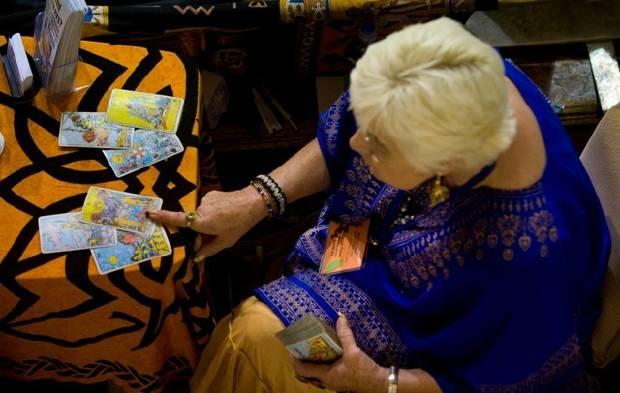 Lectura de Tarot, Tarot en femenino