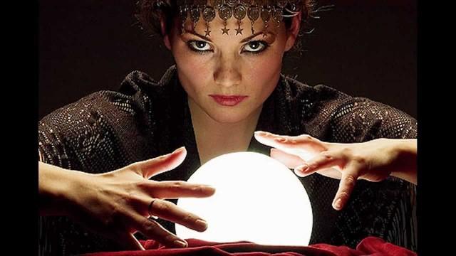 La Bola de Cristal, Tarotistas y Videntes