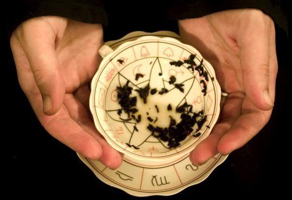 Lectura hojas de te. El Tarot gitano, Tarotistas y Videntes