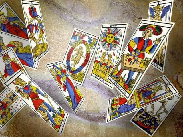 El Tarot de Marsella, Tarotistas y Videntes